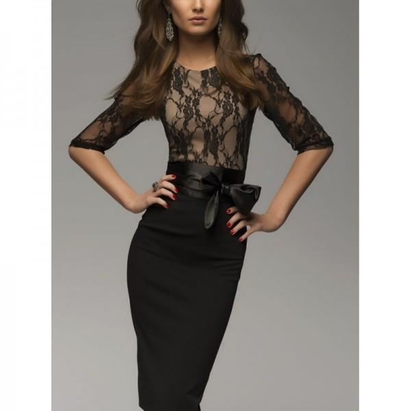 Дантелена рокля със сатенен колан